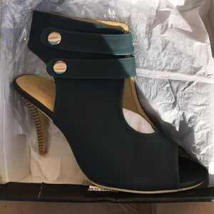 New Heels Shoes Size 9